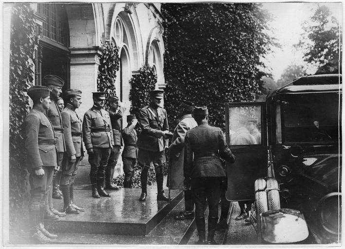 Grand quartier général américain : visite du général Foch au général Pershing