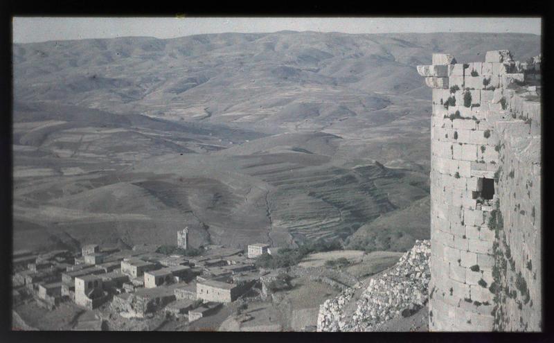Le village de Haret Hosn et les environs vus depuis le Crac