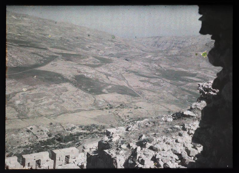 Vue sur la plaine à l'ouest en direction de la mer Morte