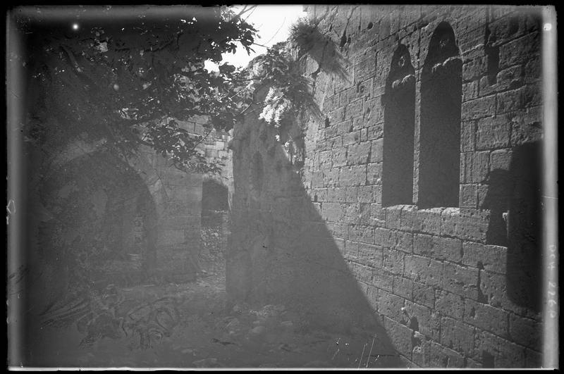 Fenêtres de la grand'salle au nord