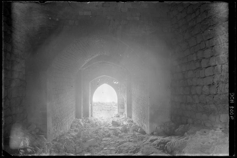 Rampe d'accès dans le château