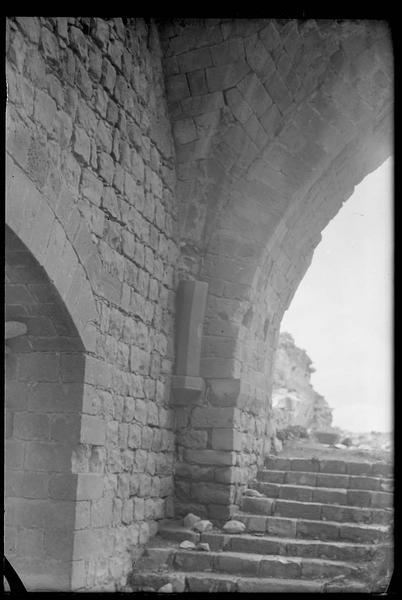 Détail de l'intérieur de la tour-porte