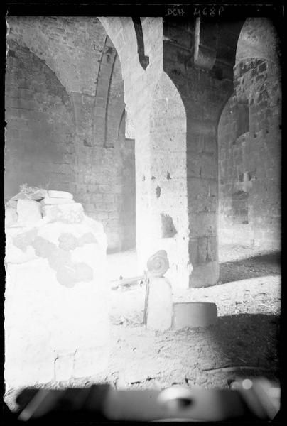 Premier étage, détail de la voûte et du pilier central
