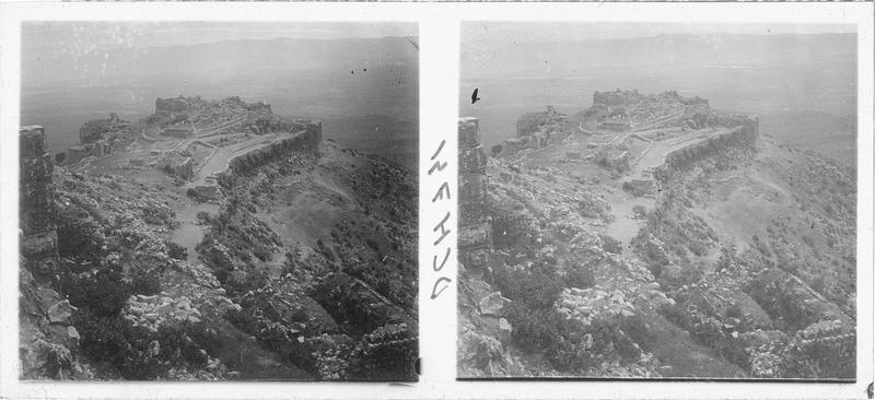 Vue du front nord depuis le château haut