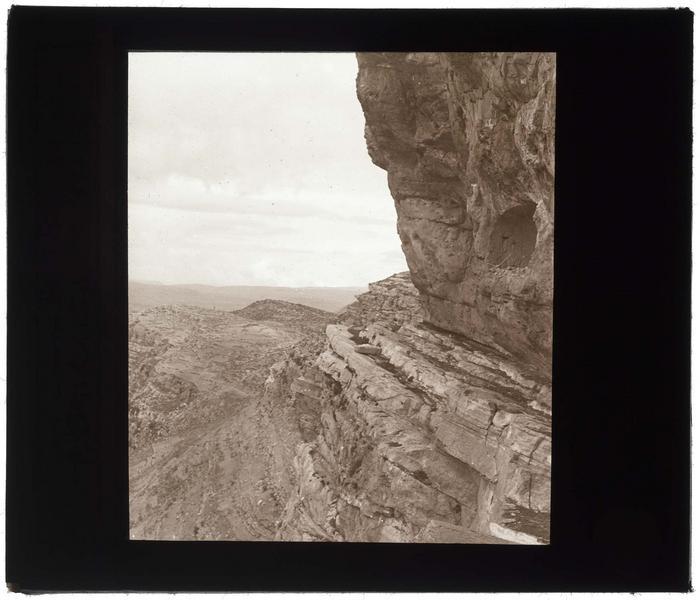 Chemin d'accès aux caves de Tyron
