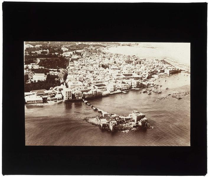 Vue aérienne avant les travaux de reconstruction