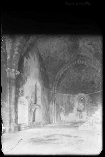 Intérieur de la chapelle, avec un minbar (supposé) au sud
