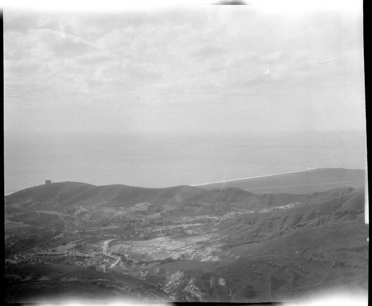 La tour Burj al-Sabî et la mer vues depuis le château