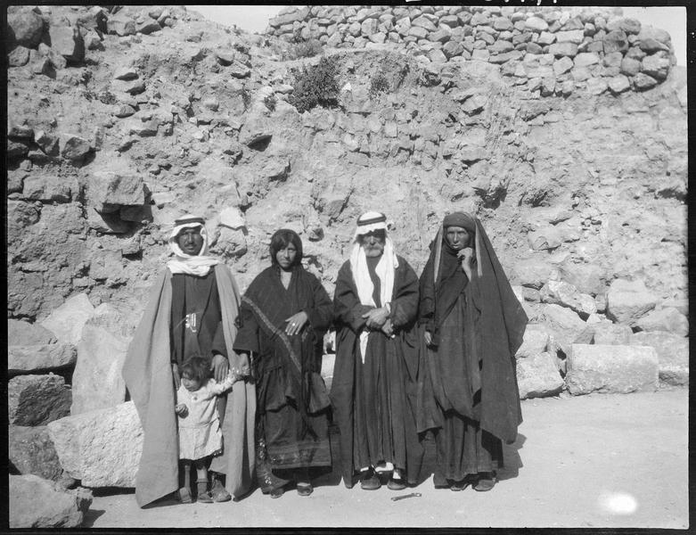Portrait de groupe: famille de bédouins