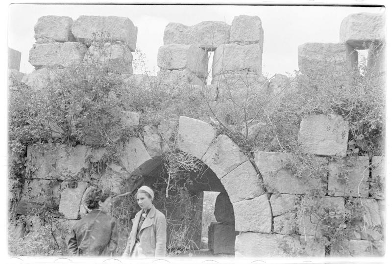 Vue intérieure du rempart; archère à niche