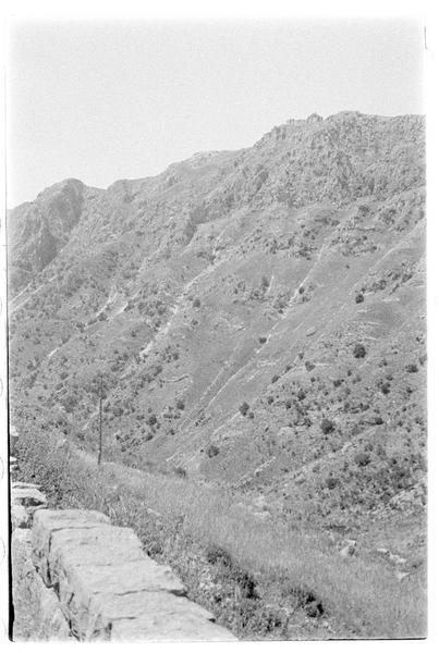 Vue d'ensemble du château depuis la vallée du Litani