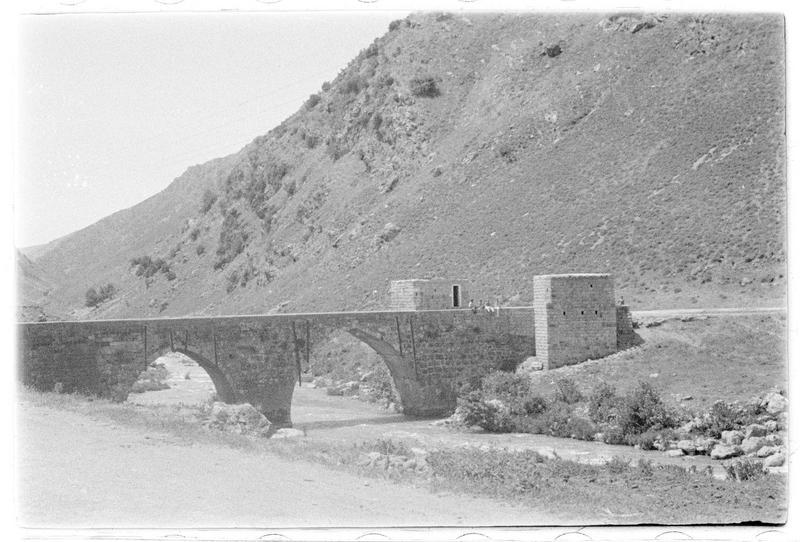 Pont médiéval à proximité de Beaufort (supposé)
