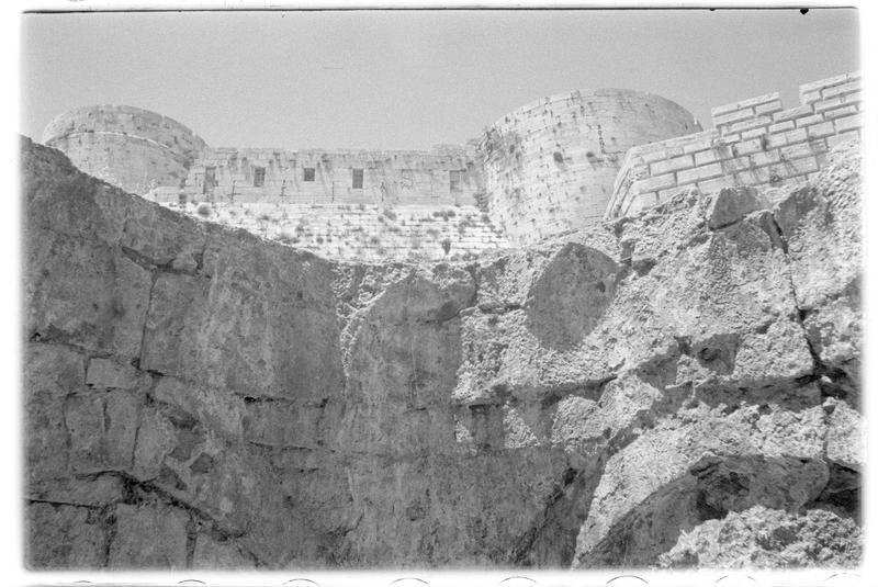 Détail du hammam avec le front sud en arrière-plan