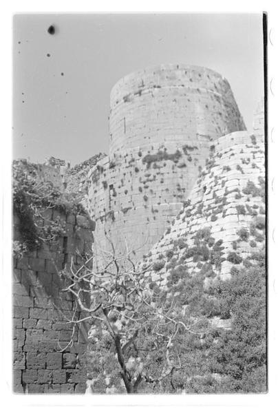 Vue extérieure de l'enceinte intérieure (massif central du front sud)