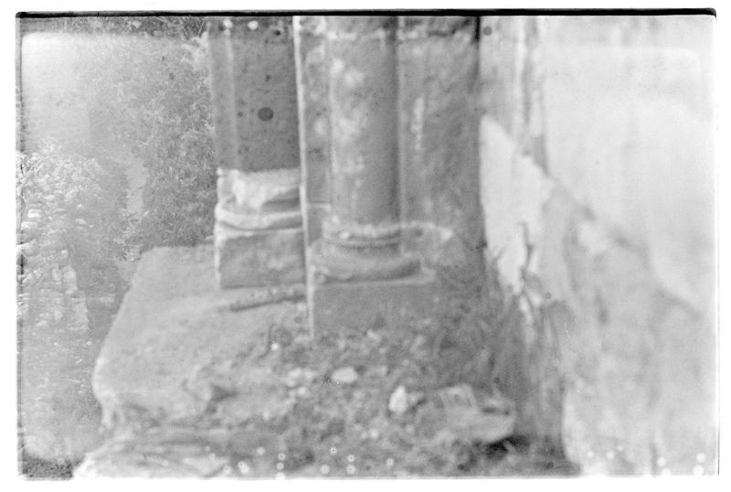 Détail de colonnettes à l'intérieur du château