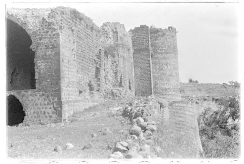 Vue intérieure du château (front nord-est)