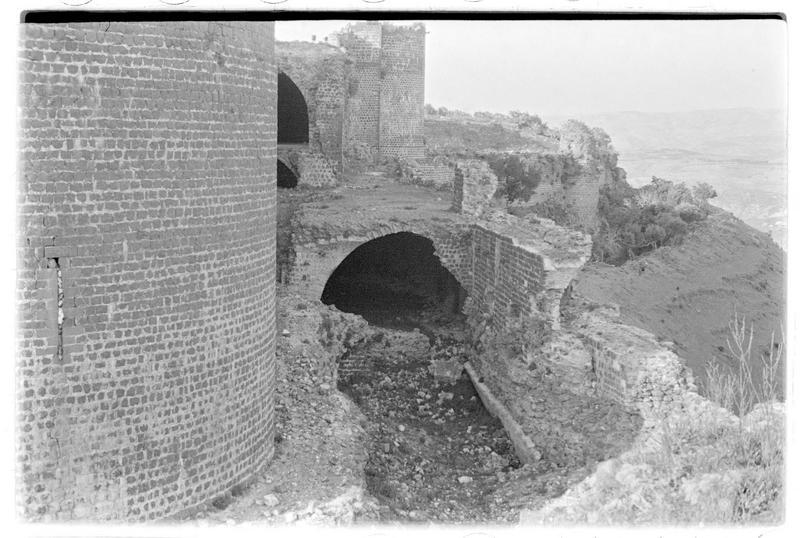 Vue extérieure de l'ouvrage au nord de la tour maîtresse