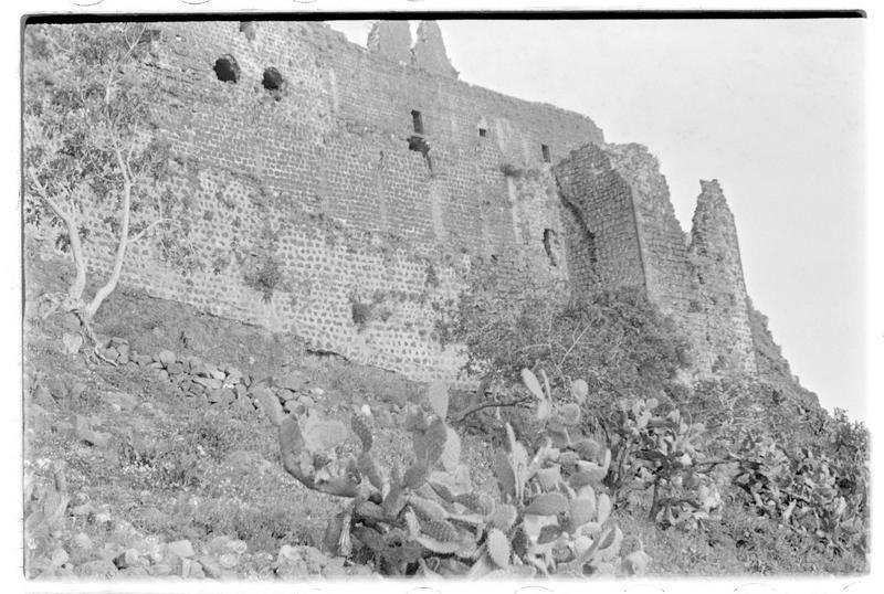 Vue extérieure du château, front sud-est