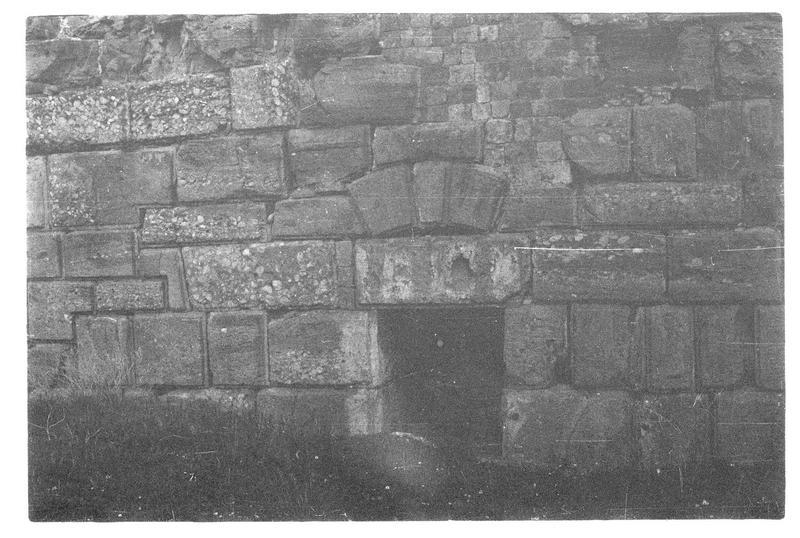 Détail de la partie inférieure de la tour maîtresse