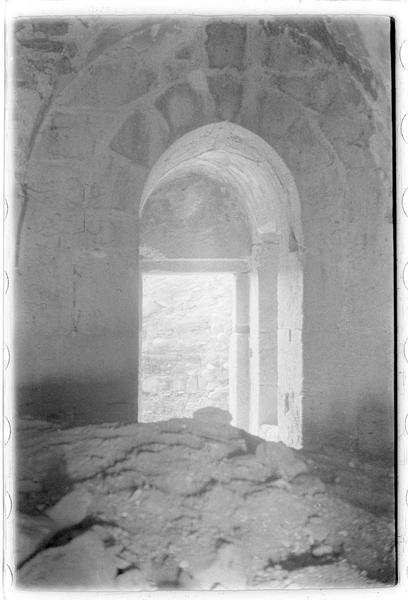 Vue intérieure de la porte d'une tour