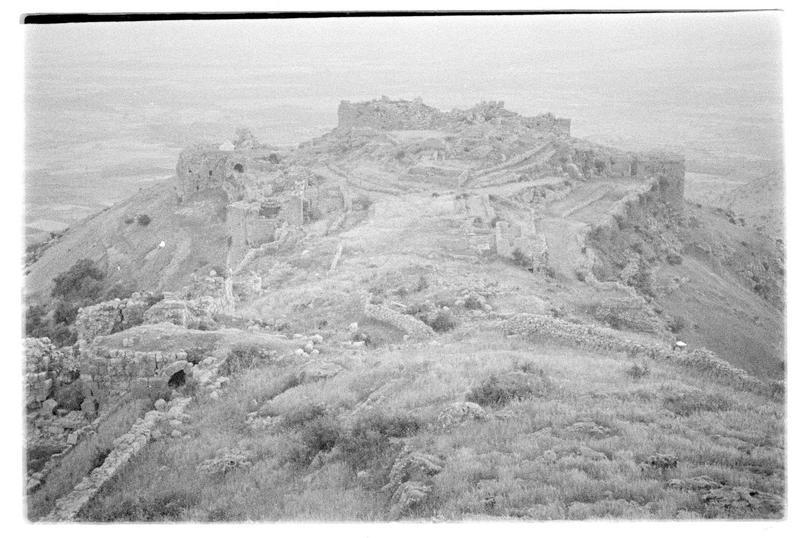 Vue de la basse cour depuis le château haut