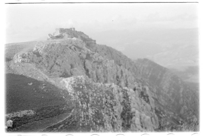 Château vu depuis le plateau sud