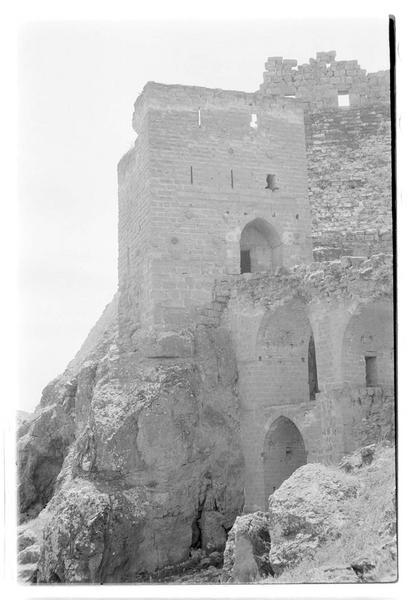 La tour-porte et le pont
