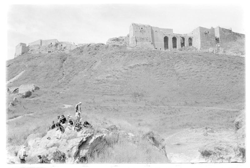 Front sud du château vu en contre-plongée