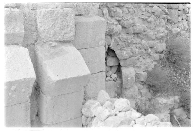 Détail d'une poterne mamelouke du front sud avec emplacement de herse