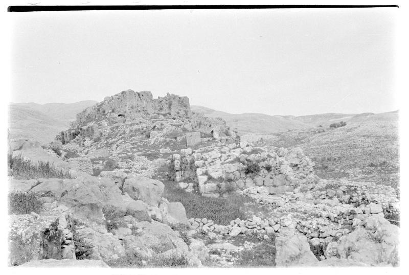 Le château haut vu depuis la basse cour