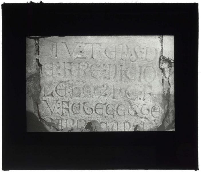 Front nord: inscription de Nicolas Lorgne