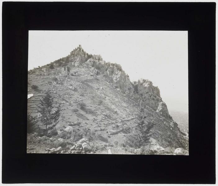 Ruines sur la colline