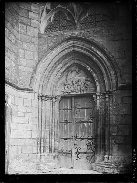 Tympan de la petite porte ouest : Décollation de Saint-Jean-Baptiste