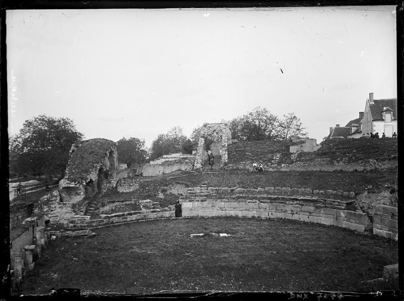 Amphithéâtre : vestiges