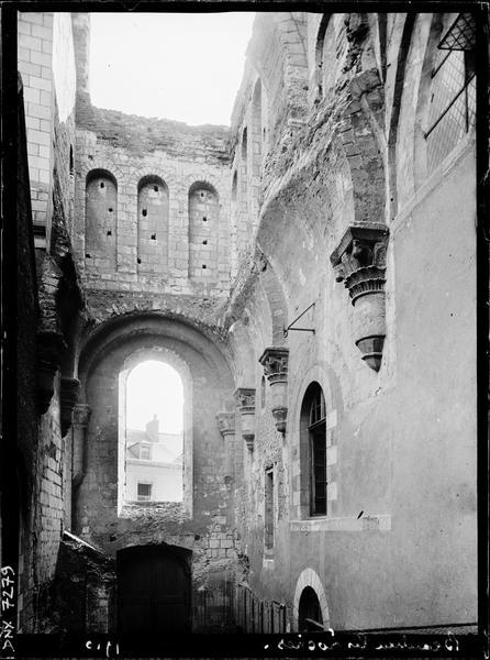 Intérieur : ruines
