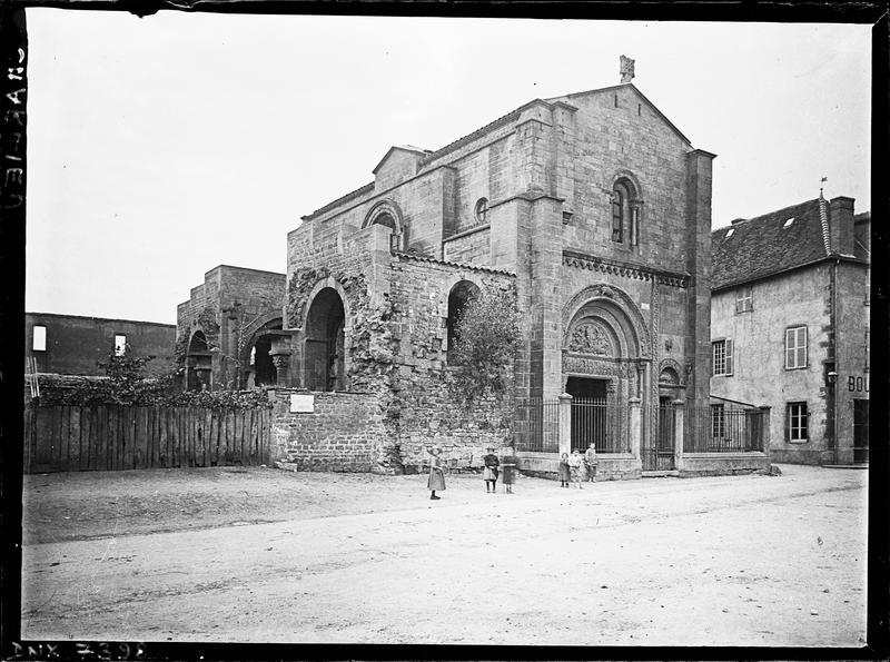 Eglise : narthex, ensemble nord-est