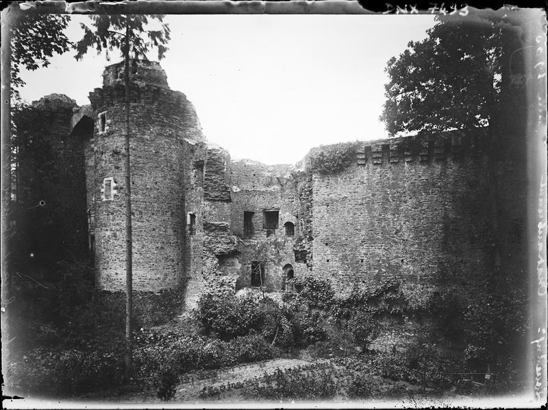 Partie médiévale : ruines