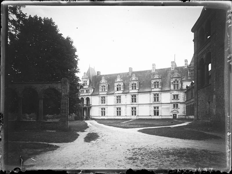 Partie Renaissance : façade sur la cour d'honneur