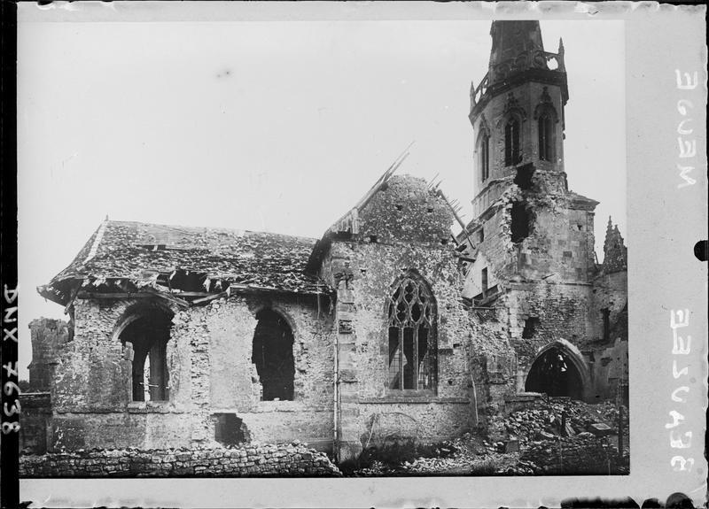 Façade nord : dommages causés par les bombardements