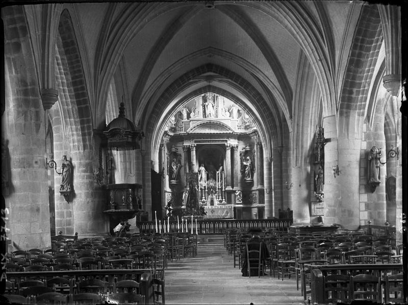 Intérieur : choeur vu de la nef, maître-autel du 18e siècle
