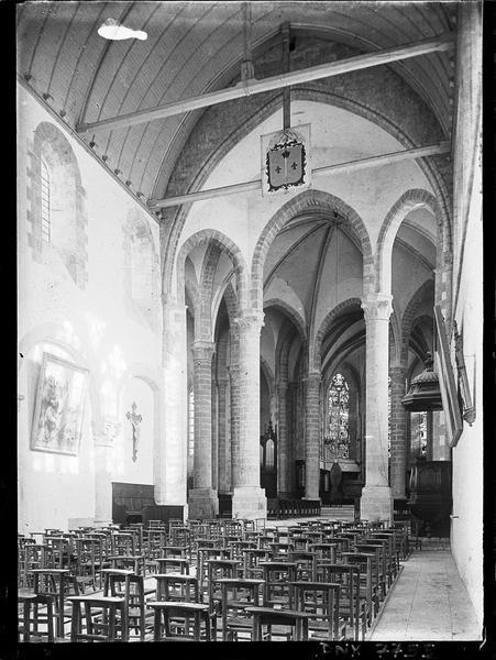 Intérieur : croisée du transept vue vers le choeur