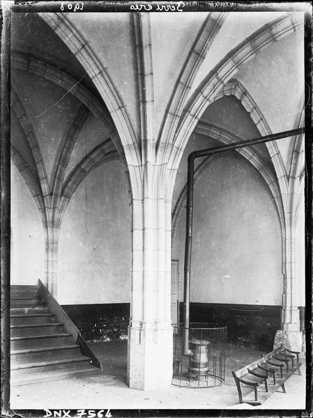 Intérieur : voûtes et piliers