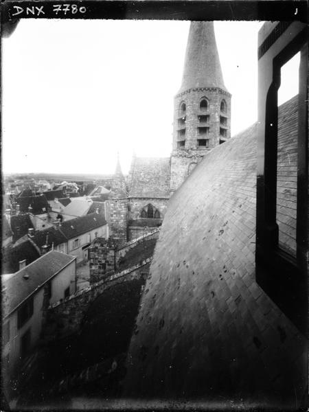 Toit et clocher tors ou « en vrille », vue prise depuis le toit
