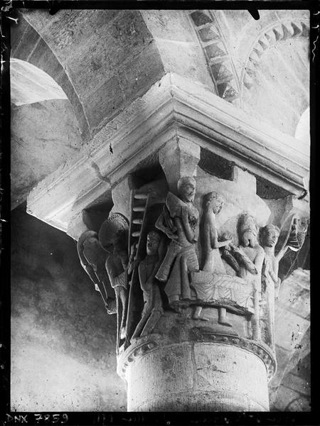 Intérieur, chapiteau du déambulatoire : le Songe de Jacob
