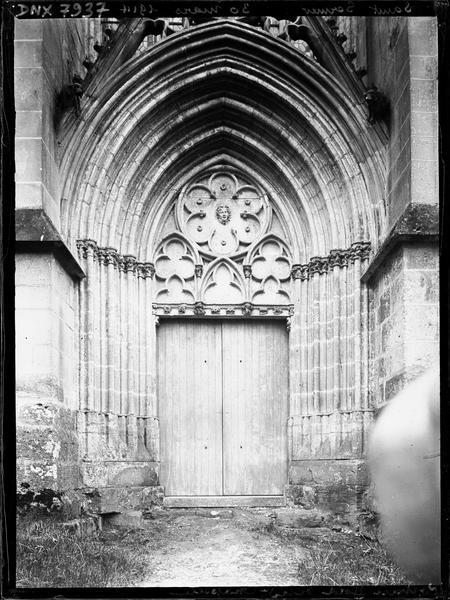 Chapelle de la Vierge dite Sainte Chapelle : portail nord