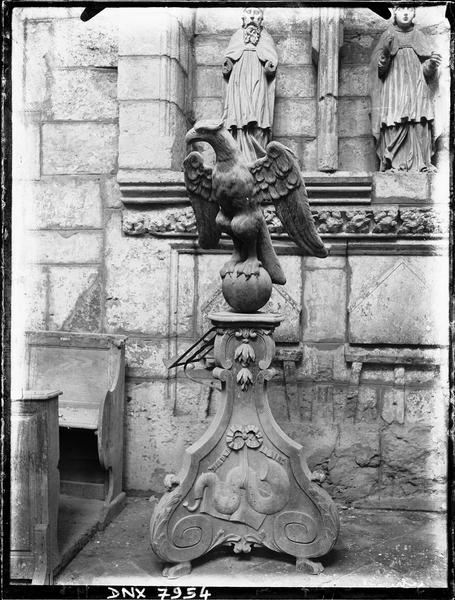 Lutrin en forme d'aigle