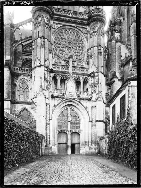 Croisillon nord : façade, partie inférieure