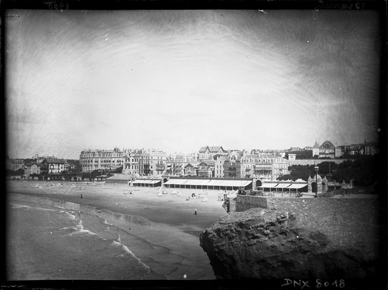 La plage et le front de mer