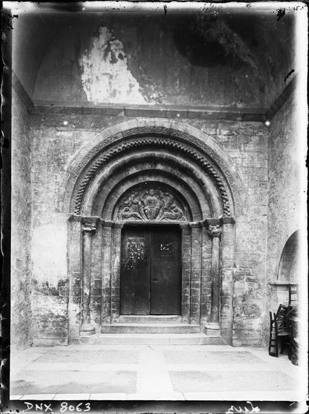 Façade nord : portail