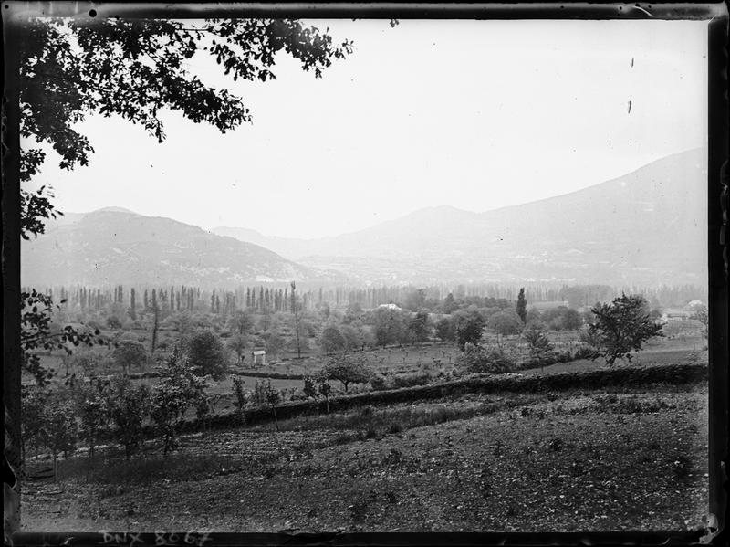 Paysage rural : champs et collines